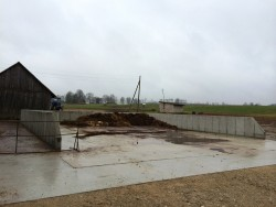 Farmyard manure storage and slurry storage construction in Cīruļi