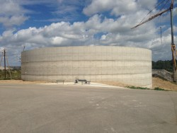 Monolithic reinforced concrete manure storage construction in Pienenes
