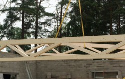 Wood – metal truss for roof structure