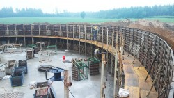 Construction of second monolithic reinforced concrete tank in Smurgi