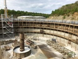Construction of a reinforced concrete tank in the United Kingdom