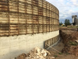 Construction of a reinforced concrete tank in Lestene